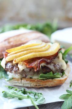 Bison Burgers with Brie, Bacon and Carmelized Pears.everything about this sounds heavenly. Use nitrate-free turkey bacon to reduce fat while keeping flavor! Carmelized Pears, Burger And Fries, Burger Bar, Turkey Burger Recipes, Good Food, Yummy Food, Wrap Sandwiches, Snack, Cooking Recipes