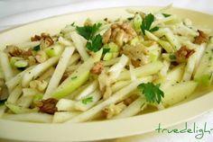 Salata de telina cu mere si nuci Healthy Salad Recipes, Vegan Recipes, Cooking Recipes, Vegan Food, Romanian Food, Pasta Salad, Good Food, Food And Drink, Veggies