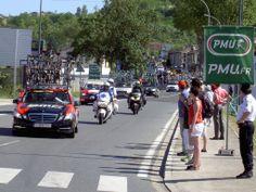 2013 5/7 rit 7 Albi > Op 5,5 km van de aankomst heeft het tweede peloton met o.a. Mark Cavendish en André Greipel een achterstand van bijna 15'. Zij zijn achteropgeraakt in de Col de la Croix de Mounis [foto Philippe B.]