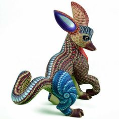 Frog Art, Craft Art, Mexican Folk Art, Wood Carvings, Handmade Art, Carne, Sculpting, Dinosaur Stuffed Animal, Art Pieces