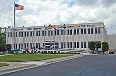 {Indianapolis Motor Speedway Hall of Fame Museum} : Indianapolis, Indiana