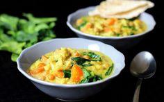Květákové kari s kokosovým mlékem Vegan Soup, Vegetarian, Going Vegan, Thai Red Curry, Macaroni And Cheese, Food And Drink, Vegetables, Cooking, Healthy