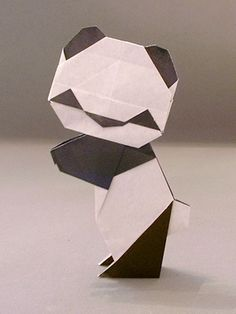 Origami panda  = AWWWWW wish i knew how to make this for aninside joke and just causeits adorbs
