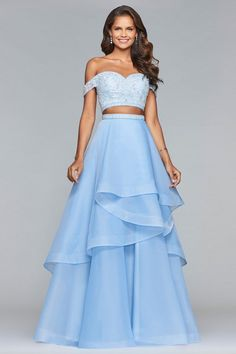 Embrace your inner princess in one of our blue prom dresses. FAVIANA is a two piece long organza dress with beaded bodice and cascade tier skirt Pretty Prom Dresses, Cute Dresses, Beautiful Dresses, Amazing Prom Dresses, Beautiful Dress Designs, Fancy Dress Outfits, Nova Dresses, Designer Prom Dresses, Gown Designer