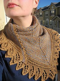 Free Pattern: The Crow Waltz Shawl
