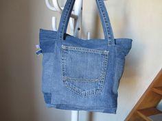 Sac en jean recyclé bleu, patchwork : Autres sacs par bettimi
