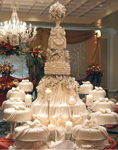 Generally, wedding cakes are is the conventional cake being dished up to the guests at the breakfast after the wedding. It is characterized as a huge cake, different from the usual cakes we have on… Huge Wedding Cakes, Extravagant Wedding Cakes, Wedding Cake Prices, Elegant Wedding Cakes, Elegant Cakes, Beautiful Wedding Cakes, Wedding Cake Designs, Beautiful Cakes, Dream Wedding