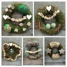 Christmas wreaths for the birds Bird Feeder Plans, Diy Bird Feeder, Christmas Themes, Christmas Wreaths, Holiday Decor, Homemade Bird Feeders, Diy Presents, Wild Birds, Diy Wall Decor