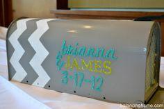 Wedding card box is a cute idea