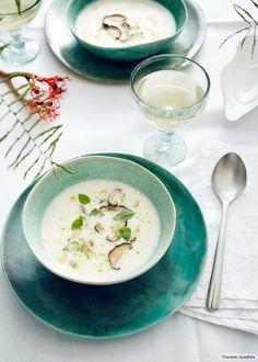 Alles andere als gewöhnlich:die Kartoffelsuppe mit Ziegenmilch, Limette, und Thai-Basilikum.