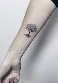 50 beautiful and meaningful tree tattoos, inspired by the way of nature . - 50 beautiful and meaningful tree tattoos, inspired by the way of nature – minimalist tree tattoo - Cute Sister Tattoos, Cute Tattoos, Small Tattoos, Awesome Tattoos, Tatoos, Sexy Tattoos, Cross Tattoos, Spine Tattoos, Gorgeous Tattoos