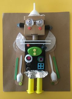 recycled robots art of ed art projects Two Stunning Projects Made Entirely from Recycled Materials - The Art of Education University Recycled Robot, Recycled Crafts Kids, Recycled Art Projects, Crafts From Recycled Materials, Recycling Projects For Kids, Recycled Tires, Recycling Activities For Kids, Recycled Products, Preschool Crafts