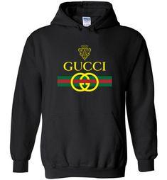 Gucci Original Vintage Logo Hoodie - Gucci Hoodie - Ideas of Gucci Hoodie - Gucci Original Vintage Logo Hoodie Versace Men, Gucci Men, Gucci Gucci, Gucci Shoes, Gucci Jacket Mens, Gucci Shirts Men, Designer Jackets For Men, Trendy Hoodies, Gucci Outfits