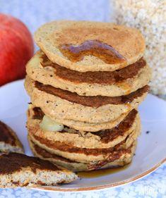 Vegan Basics: Saftige Apfel-Pfannkuchen   veganes Frühstück   vegane Pancakes     vegane Rezepte I Entdeckt von Vegalife Rocks: www.vegaliferocks.de ✨ I Fleischlos glücklich, fit & Gesund✨ I Follow me for more vegan inspiration @vegaliferocks