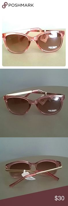 NEW STEVE MADDEN PINK SUNGLASSES NWT STEVE MADDEN SUPER SWEET PINK SUNGLASSES. BRAND NEW AND SO  INCREDIBLY STYLISH. Steve Madden Accessories Sunglasses