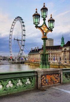 London Eye - http://www.londonvacationsguide.com/