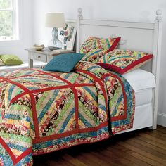 Large block string quilt with sashing Jellyroll Quilts, Scrappy Quilts, Easy Quilts, Mini Quilts, Nine Patch, Quilting Projects, Quilting Designs, Quilting Ideas, Quilt As You Go