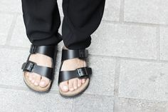 On my wishlist.out of stock everywhere :( Birkenstock, Birkenstocks, Birkenstock street style, Birkenstock shoes, how to wear Birkenstocks Birkenstock Negras, Black Birkenstock, Birkenstock Sandals, Birkenstock Style, Birkenstock Arizona, Camille Over The Rainbow, Fashion Shoes, Fashion Accessories, Two Strap Sandals