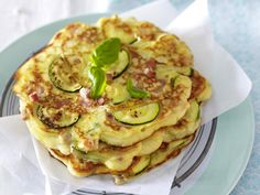 Günstig kochen - preiswerte Gerichte für jeden Tag - Zucchini-Pfannkuchen_mit_Schinken Rezept