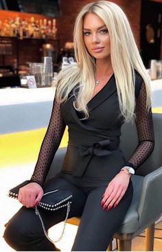 Shop Solid Lantern Sleeve Mock Neck Jumpsuits right now, get great deals at cbrstyle Beauté Blonde, Blonde Beauty, Black Beauty, Sexy Outfits, Cute Outfits, Beautiful Blonde Girl, Beautiful Women, Sexy Blouse, I Love Girls