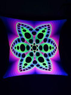 "2,5x2,5m Psywork Schwarzlicht Goa Segel Spandex ""Psychedelic Flower Yellow""  #blacklight #schwarzlicht #neon #glow #psy #party #deco #spandex #stretch #effects"