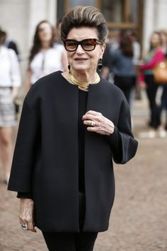 Costanza  Look clássico, a partir dos 40 anos  SPFW Iverno 2016 Autumn Fashion Women Fall Outfits, Over 50 Womens Fashion, Fall Fashion Trends, Simple Outfits, Chic Outfits, Inspired Outfits, Fast Fashion, Women's Fashion, Business Fashion