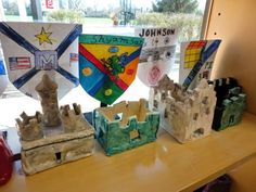 Clay Castles and Coat of Arms by 4th GradeI like the idea of doing big coats of arms on fabric... maybe smartfab