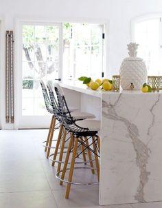 Calacatta gold waterfall countertops for a modern kitchen design Kitchen Interior, New Kitchen, Kitchen Decor, Kitchen White, Kitchen Stools, Marble Interior, Kitchen Ideas, Interior Modern, Design Kitchen