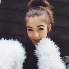 "[ thalia bree ] ""hello. i'm tessanne, but i prefer going by tessa or tess. i'm nineteen. i love puppies and skating. i'm a competitive figure skater. I have a son named Nick. i have two brothers named ethan and grayson and a sister named brooklyn. intro?"""