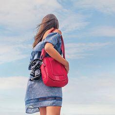 Pacsafe Metrosafe anti theft travel bag for the world traveler #travelbag #travel #travelgirl #wanderlust #travelaccessories #pacsafe #metrosafe