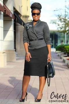 Curves and Confidence: Gray H&M Blazer and Black Express Pencil Skirt Curvy Girl Fashion, Work Fashion, Fashion Advice, Plus Size Fashion, Fashion Outfits, Petite Fashion, Fashion Bloggers, Fall Fashion, Style Fashion