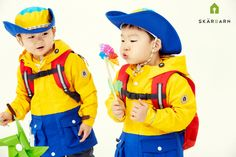 Daehan Minguk Manse in Skarbarn advertisement. Cute Kids, Cute Babies, Outdoor Clothing Brands, Song Triplets, Superman Baby, Baby Corner, Outdoor Outfit, Big Boys, Baby Pictures