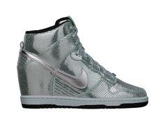 The Nike Dunk Sky Hi (Women's Marathon) Women's Shoe.