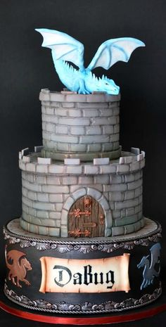 I'd add more color by putting a crest ,some,shrubs and a few stars Dragon Birthday Cakes, Castle Birthday Cakes, Dragon Birthday Parties, Dragon Cakes, Dragon Party, Castle Cakes, 8th Birthday, Knight Cake, Knight Party