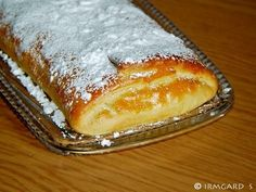 Rezept Apfelschlangerl Hot Dog Buns, Deserts, Food And Drink, Pudding, Bread, Apple, Sweet, Recipes, Judo