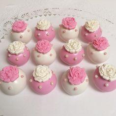 Pink Floral Cake Pops