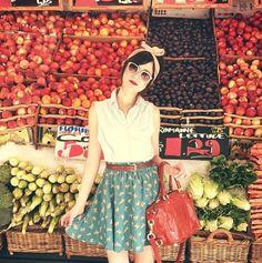Vintage inspiration! Bonnie Barton is so stylish! #flashesofstyle