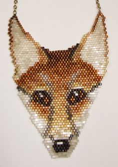 this beaded fox would make an excellent cross stitch pattern Peyote Patterns, Beading Patterns, Beading Ideas, Beaded Banners, Beads Pictures, Beaded Cross Stitch, Cross Stitch Animals, Beaded Animals, Weaving Art