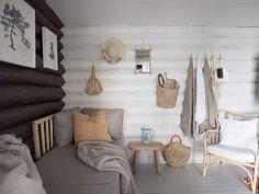 Hirsimökin muodonmuutos: saunatupa | SLIIK Log Wall, Cabin Interiors, Hygge, Beach House, Relax, Cottage, Furniture, Home Decor, Daybed