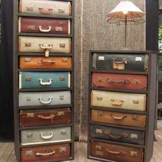 Kast gemaakt van oude koffers. Ik heb nog één oude koffer op zolder. Tijd om er meer te gaan zoeken dus!