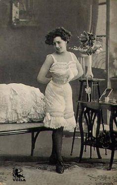 1900s Classic Lingerie, Retro Lingerie, Edwardian Fashion, Vintage Fashion, Corset, Fantasy Art Women, Lace Tights, Gibson Girl, Victorian Women