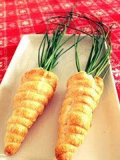 Fun idea for Easter: carrot crescents Un'idea divertente per Pasqua: le carote di pasta sfoglia!