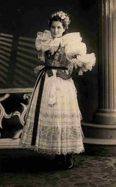 Vintage folk dres,Zahori,Veslicko,Czech republic