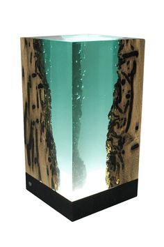 Компания Alcarol специализируется на выпуске необычных предметов мебели, которые объединяют в себе замысловатый дизайн и необычное сочетание материалов. В качестве дерева используется дуб, который добывают в Венецианской лагуне специальная служба.…