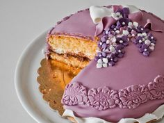 Certainly an old time favorite for girls is a princess cake. The cake delivery service would also bring in the designer cake with all the splendid designs fitted for a princess.