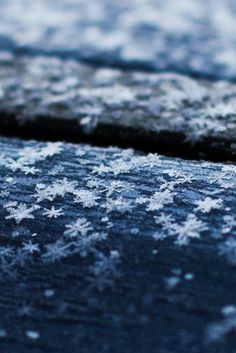 Snowflakes on the Roof by Ilias Niotis
