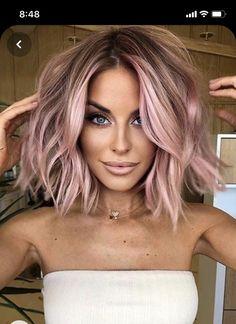 Pastel Pink Hair, Hair Color Pink, Cool Hair Color, Unique Hair Color, Hair Color Ideas, Pink Short Hair, Hair Ideas, Rose Pink Hair, Color On Short Hair