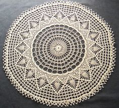 so pretty.  Vintage elaborate white round crochet tablecloth by ElisewinsBoat, €20.00