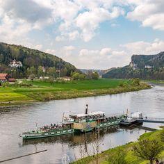 Dampferfahrt im #Elbsandsteingebirge #SaechsischeSchweiz #SaxonSwitzerland #Saxony #Germany Credits: Achim Meurer #Wandern #Wanderglück #Ruhe #Wandermärchen #SächsischeSchweiz #Malerweg #Wanderweg #Fernwanderweg #Natur #elbi