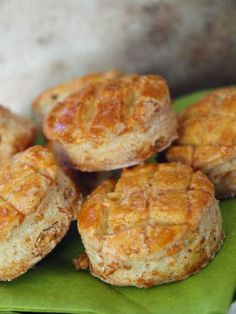 Tepertős pogácsa Baked Potato, Ham, Bakery, Potatoes, Sweets, Snacks, Cookies, Ethnic Recipes, Food